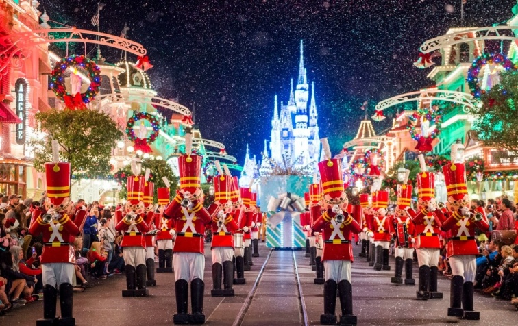 mickeys-once-upon-a-christmastime-parade